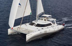 Catamaran mit Gennaker und Furler